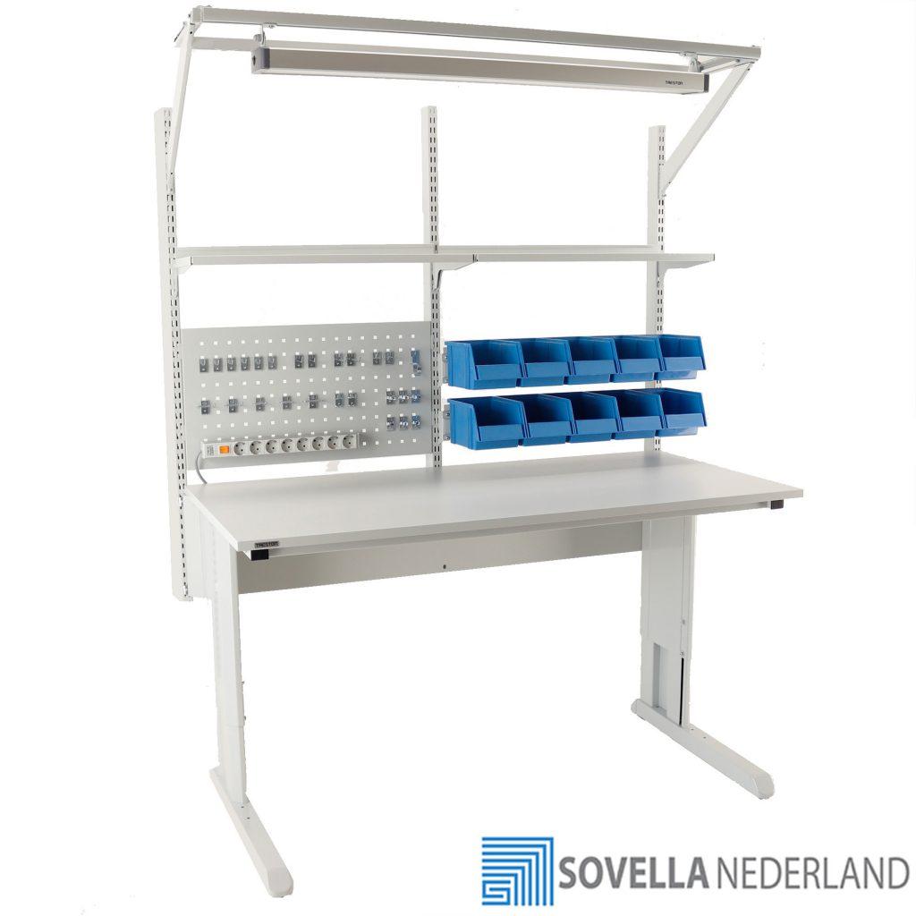 Sovella Nederland Treston RMA werktafel concept met verlichting